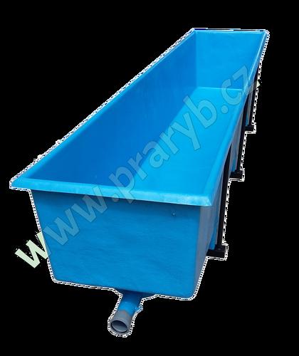 Žlab (bazén) odchovný laminátový 370 x 67 x 73 cm objem 1500 litrů, se 3 páry kovových noh