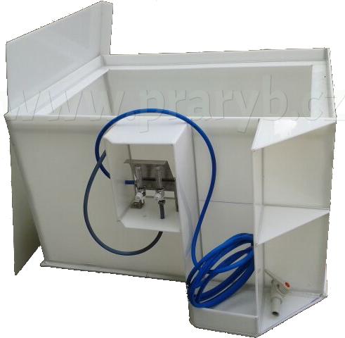 Bedna přepravní plastová PP 1,5(1,4) x 0,9 x 0,7 m s drž.tlak.láhve, průtokom.ve schráně - na přepravu živých ryb